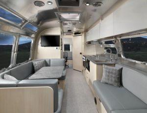 interieur caravane digital nomad airstream